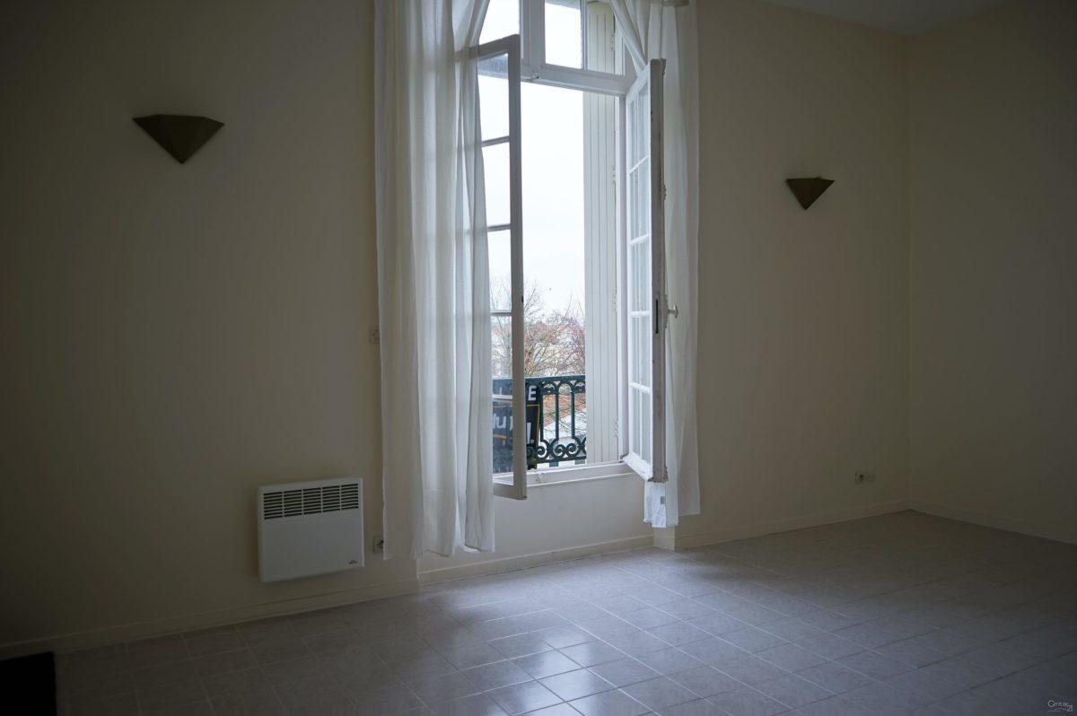 location appartement la rochelle choisir la nouveaut. Black Bedroom Furniture Sets. Home Design Ideas